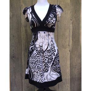 B&W Empire Waist Low Cut Summer Midi Dress S